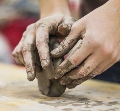 Kurs - Ceramika i inne techniki artystyczne w aspekcie zaburzeń motoryczno-kognitywnych u dzieci.